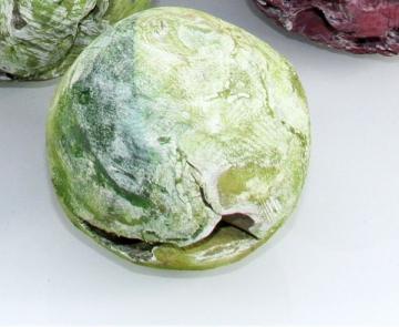 Wurzelholz Kugel klein ca. 14cm frosted grün